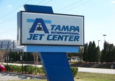 tampa-jet-center-pole-sign